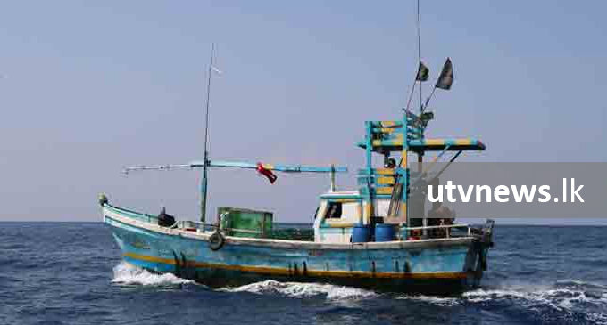 Navy apprehends Indian fishermen for poaching in Lankan waters