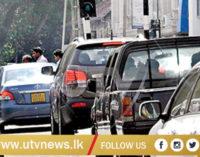 Heavy traffic along the Colombo – Avissawella, Low Level road